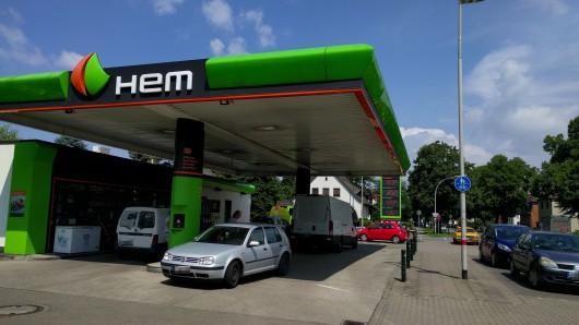 Die HEM-Tankstelle in Wenden.