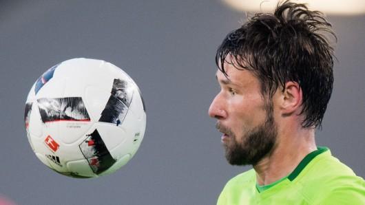 Christian Träsch fokussiert den Ball.