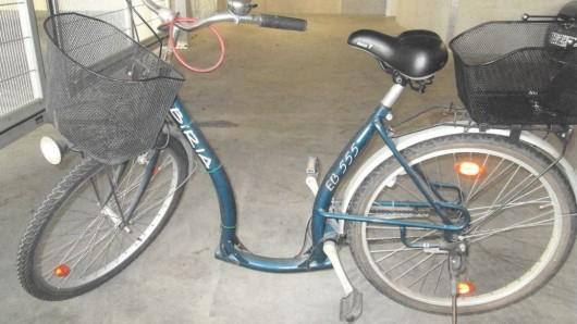Die Polizei Gifhorn sucht den Eigentümer dieses blauen Damenfahrrades.