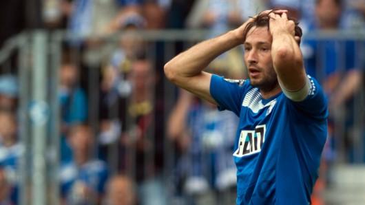 Das ging daneben: FCM-Spieler Marius Sowislo ärgert sich über eine vergebene Torchance (Archivbild).