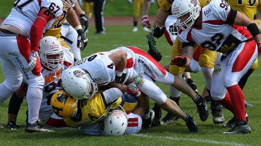 Die Defense der Lions tat sich schwer, das Laufspiel der Elmshorner zu stoppen.