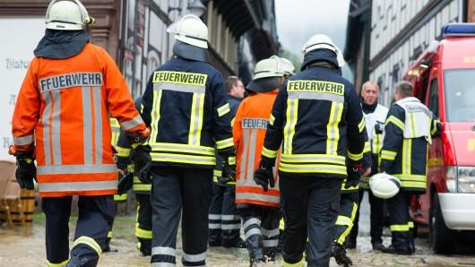 Rund 1.500 Feuerwehrleute sind in Goslar und den angrenzenden Bereichen im Einsatz.