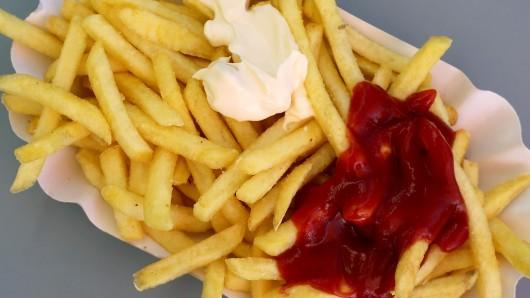 Ab dem kommenden Jahr gelten neue Regeln unter anderem für die Zubereitung von Pommes frites.