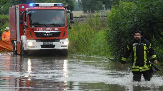 In den tiefergelegenen Gebieten stand auch am Samstag das Wasser mehr als kniehoch.