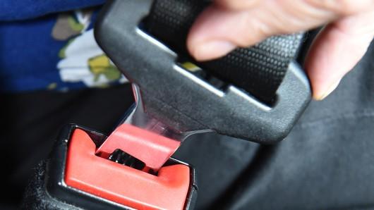 Ein Sicherheitsgurt im Auto (Symbolbild).