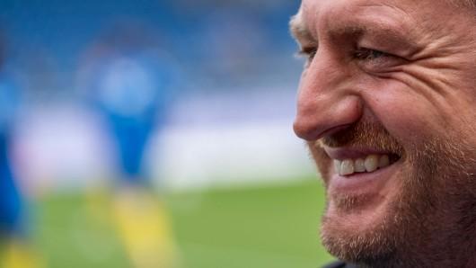 Braunschweigs Trainer Torsten Lieberknecht ist mit dem Start in die Saison zufrieden.