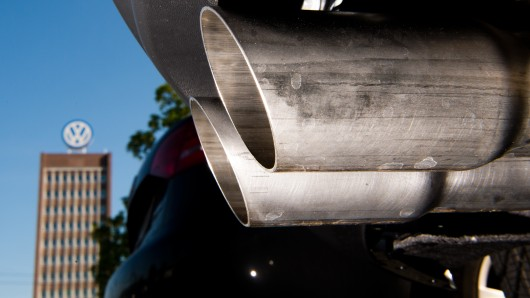Die Verbraucherschützer gehen am Donnerstag gegen Volkswagen vor Gericht. (Archivbild)