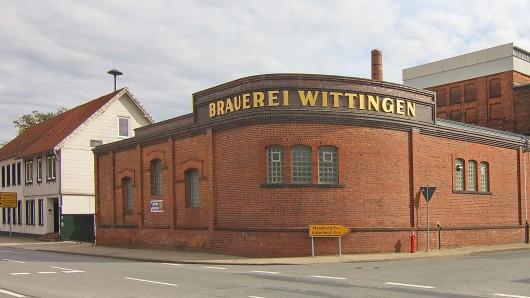 Ein Bürogebäude der Brauerei Wittingen stand am Dienstagabend in Flammen (Archivfoto).