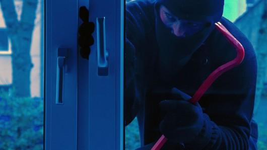 Der Einbrecher kam durch die Terrassentür (Symbolbild).