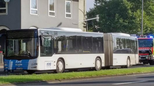 Der Bus in der Bruchmachtersenstraße in Salzgitter-Lebenstedt.