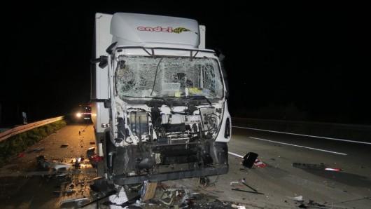 Zum Glück kam der Fahrer, bis auf einen Schock, ungeschadet davon.