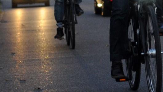 Die Polizei Peine ist auf einen Radfahrer aufmerksam geworden, der düster unterwegs war (Symbolfoto).