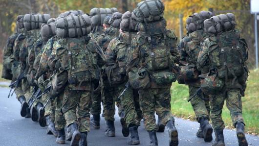 Der nach einem Kollaps gestorbene Offiziersanwärter musste mit mehreren Kameraden vor dem Zusammenbruch einen Zusatzmarsch absolvieren - teilweise im Laufschritt.