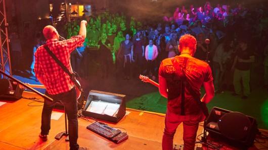 Mehrere Bands aus der Region haben bei Trocken Rocken mitgemacht - und ihre Fans begeistert.