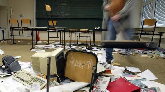 Eine Spur der Verwüstung haben die drei Neun- bis Zwölfjährigen durch die Grundschule Altencelle gezogen  (Archivbild).