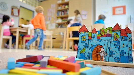 Im Sommer kommenden Jahres sollen die ersten Kinder in dem Neubau betreut werden (Symbolbild).
