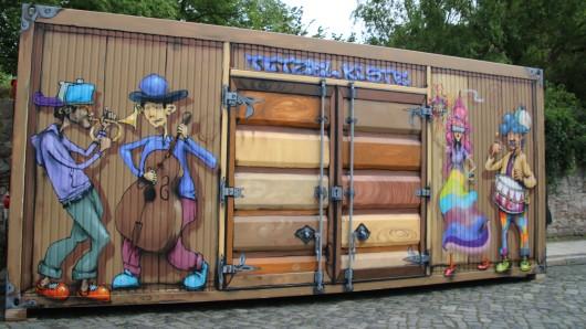 Der bunte Container ist ein Projekt im Rahmen des Jubiläumsjahres der Reformation.