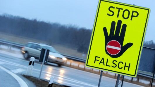 Ein 42-jähriger Magdeburger hat sich eine beinahe filmreife Verfolgungsjagd mit der Polizei geliefert - als Geisterfahrer auf der A2 und im Stadtgebiet von Magdeburg (Symbolfoto).