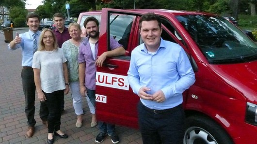 Philipp Raulfs (r.) und seine Wahlkampfhelfer Jannis Gaus, Ines Brown, Phillip Passemeyer, Barbara Klausmeyer sowie Martin Neuhäuser (v.l.)