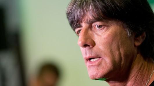 Joachim Löw, Trainer der Deutschen Fußball-Nationalmannschaft, verkündet am Montag den Kader für die Weltmeisterschaft (Archivbild).