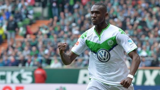 Josh Guilavogui hat seinen Vert5rag beim VfL Wolfsburg vorzeitig verlängert (Archivbild).