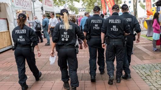 Die Polizei ist mit einem Großaufgebot an Beamten im Einsatz.