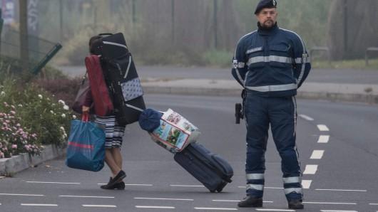 Seit dem frühen Morgen sind mehr als 60.000 Frankfurter aufgefordert, ihre Wohnungen zu verlassen.