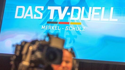 Kameras im Fernsehstudio, in dem sich Kanzlerin Angela Merkel (CDU) und ihr Herausforderer Martin Schulz (SPD) begegnen.