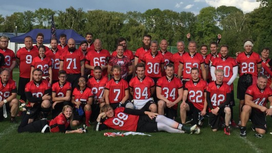 Das Lions Flag-Team spielt am Samstag im Play-Off-Viertelfinale gegen die Gäste aus Kiel.