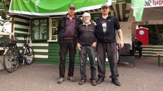 Werner Schmidt, Giovanni Moschetto und Thomas Lohs kämpfen für den Erhalt der Trinkhalle.