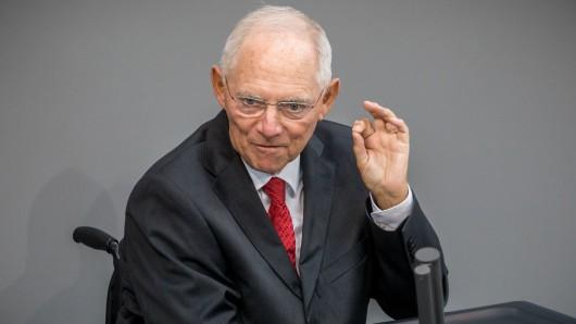 Der scheidende Bundesfinanzminister Wolfgang Schäuble kommt am Donnerstag, 5. Oktober, nach Wolfsburg.