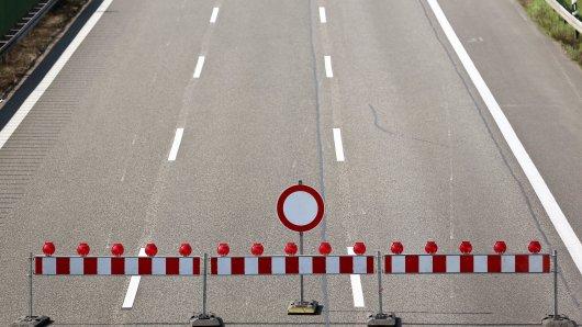 Für Sanierungsarbeiten wird die Abfahrt von der B6 zur K34 voll gesperrt. (Symbolbild)