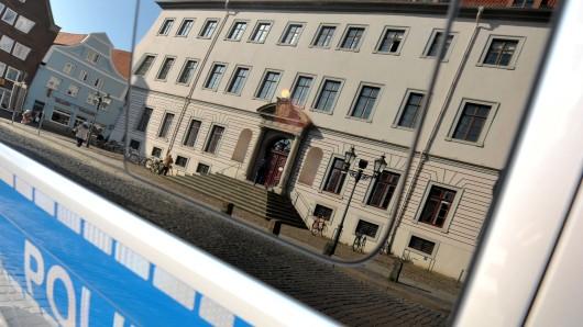 Vor dem Landgericht Lüneburg muss sich der 49-Jährige aus Celle wegen Vergewaltigung seiner Ex-Frau sowie wegen gefährlicher Körperverletzung verantworten (Symbolfoto).