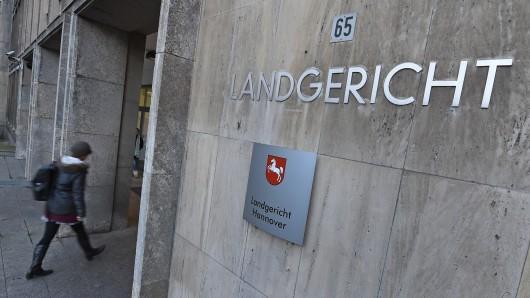 Das Landgericht Hannover schickte den 25-jährigen Syrer wegen einer schweren Psychose dauerhaft in die geschlossene Psychiatrie.
