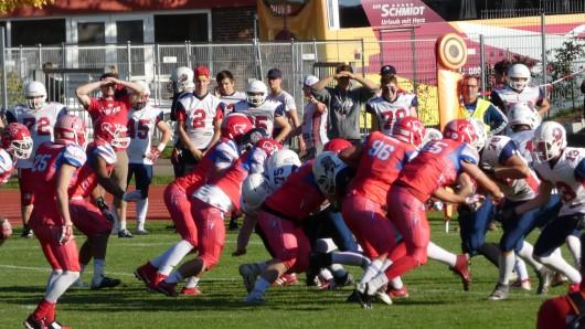 Die JuniorLions aus Braunschweig drehten das bereits verloren geglaubte Spiel bei den Lübeck Cougars - und sicherten sich damit den Aufstieg.