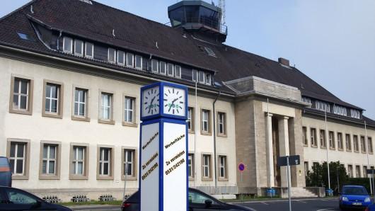 Das Hauptgebäude des Flughafens Braunschweig/Wolfsburg am Lilienthalplatz (Archivbild).