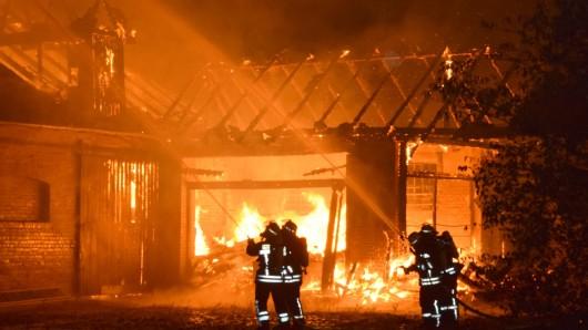Heller Flammenschein in Achim.