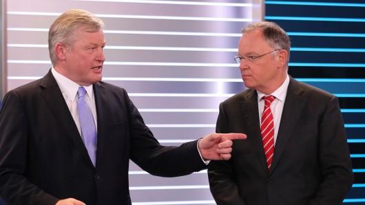 Worauf werden sich Ministerpräsident Stephan Weil (SPD, r.) und sein CDU-Kontrahent Bernd Althusmann heute verständigen? (Archivbild vom Wahlabend am 15. Oktober)