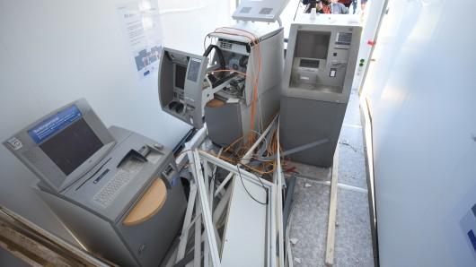 Der Mann soll Geldautomaten in Niedersachsen und Sachsen-Anhalt geprengt haben (Symbolbild).