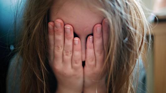 Das 13-jährige Mädchen musste nicht im Prozess aussagen, weil der Wolfsburger geständig war (Symbolbild).