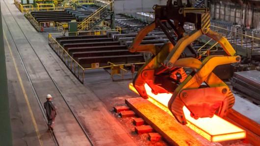 Im Walzwerk 3 wurde ein 33-jähriger Arbeiter von einem tonnenschweren Eisenteil erschlagen (Archivbild).