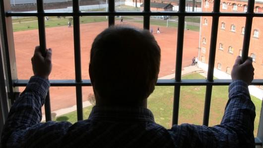 In Braunschweig und Wolfenbüttel dürfen fünf Häftlinge eher gehen (Symbolbild).
