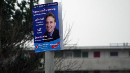 Bundestagswahl-Plakat der AfD, gesehen am Montag am Sachsendamm: Hängt es noch seit September - oder soll es bereits für die wahrscheinlichen Neuwahlen werben?