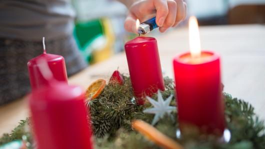 Mit einfachen Tipps  lässt sich ein Wohnungsbrand an Weihnachten verhindern. (Symbolbild.)