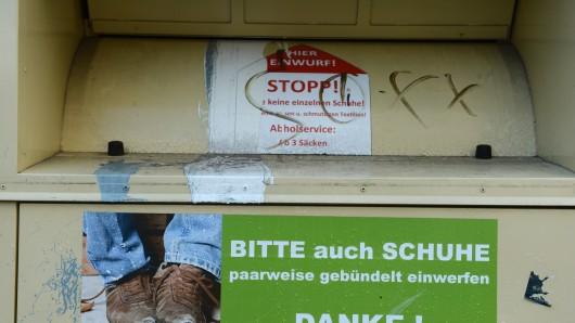 Ein Altkleidercontainer wurde im Schlesierweg angezündet (Symbolbild).