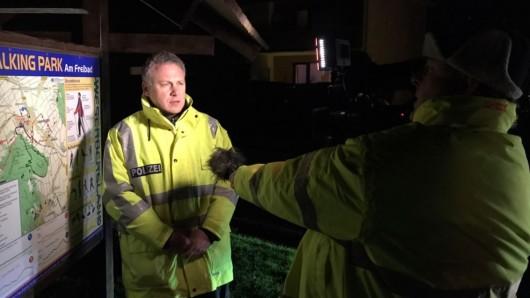 Ein Polizeisprecher berichtet über die Suchaktion - und deren trauriges Ergebnis.