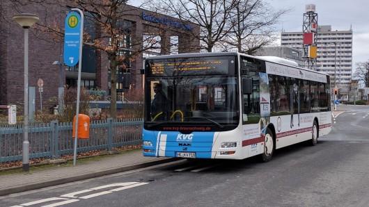 Um die Mittel für den kostenlosen ÖPNV vom Land erstattet zu bekommen, werden schwerbehinderte Fahrgäste in Bussen der KVG gezählt (Archivbild).
