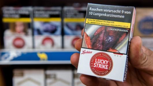 Die Täter ließen Zigaretten, Tabakdosen und ein bisschen Wechselgeld mitgehen (Symbolbild).