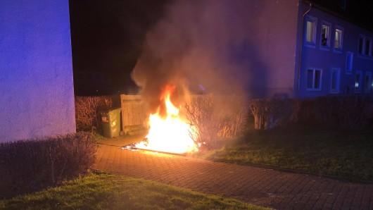 Lichterloh brannte dieser Container in Lebenstedt.