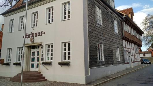 Das Rathaus in Hornburg. Im direkten Umfeld sollen sich die Übergriffe am Wochenende ereignet haben.